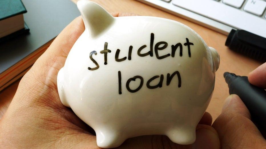 student-loans-piggy-bank-credible-iStock-867503258.jpg