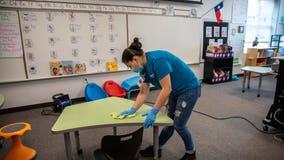 2 Texas teachers die of COVID-19, prompting school district shutdown
