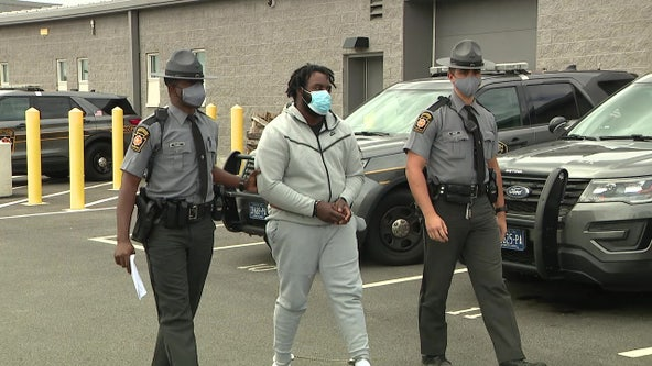 Suspect in I-95 shooting that hospitalized 1 turns self in