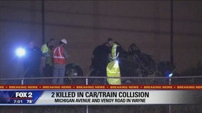 2 killed when train collides with car in Wayne