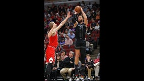 Griffin helps Pistons knock off Bulls 112-104