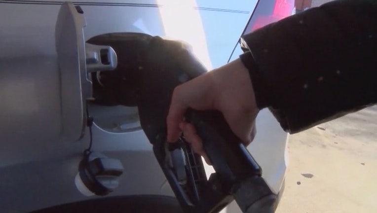 Gas_prices_below__2_a_gallon_around_metr_0_20151117125139