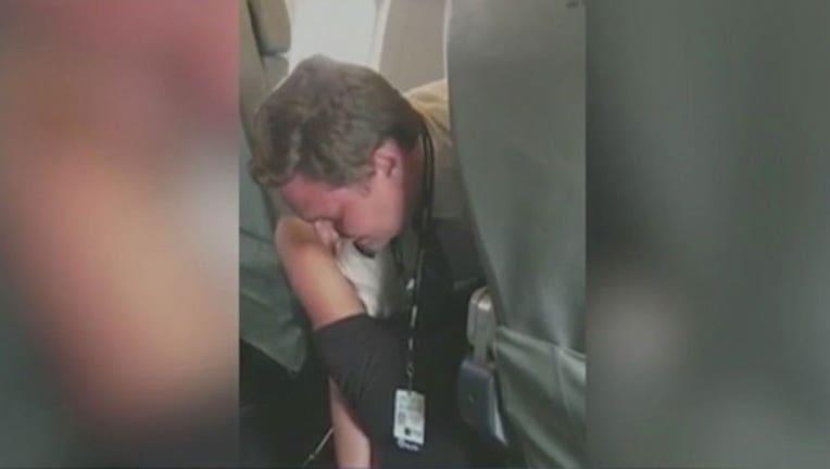 Pilot Takes Down Passenger-402970