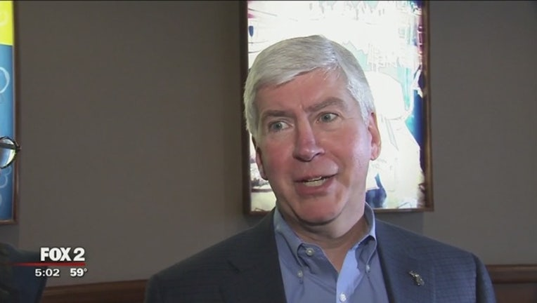 Snyder_to_drink_Flint_water_for_30_days__2_20160419211850