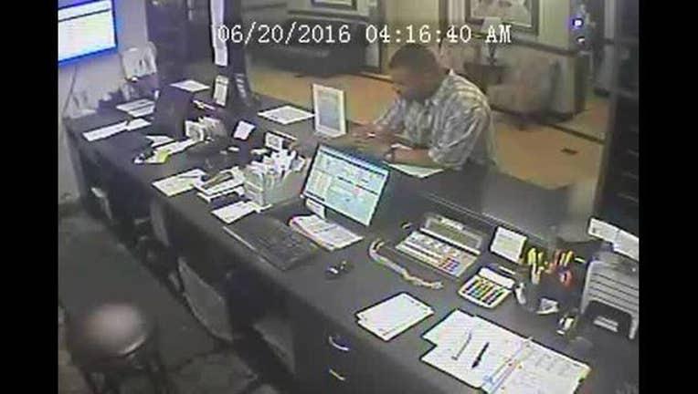 Video_released_suspect_in_rape_of_flight_0_20160621215243