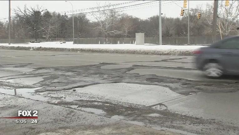 dec11d3c-Worst_road_in_Detroit_area__Try_Mound_Ro_0_20180213222508
