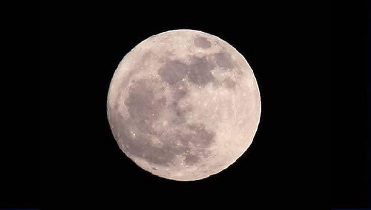 Moon_nasa_7_31_15.jpg