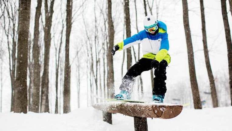 wjbk-snowboardrecord-010919_1547056043083.jpg