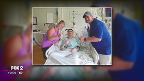 Man with cystic fibrosis fights to recover from double lung transplant