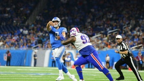 WATCH: Stafford plays as Lions lose Davis, Ragnow to injuries and game 24-20 to Bills