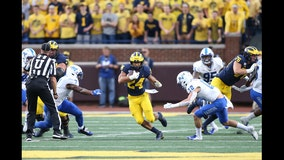 Freshman Charbonnet helps No. 7 Michigan clean up mistakes