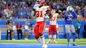 Chiefs score late, beat Lions 34-30