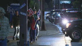 UAW-GM strike enters its third week, earning stipend for workers