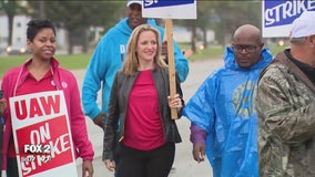 Union strike becoming more politicized, with candidates and officials joining the fray