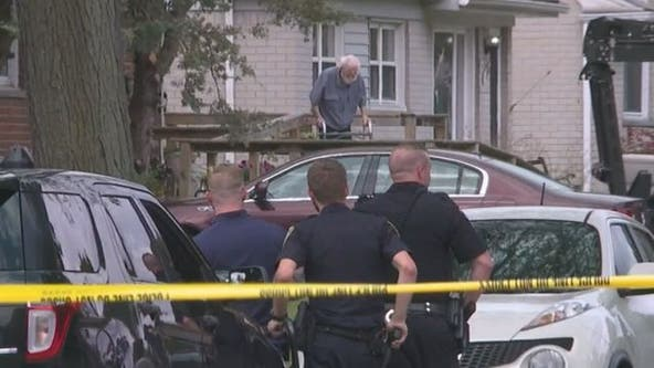 75-year-old arrested after standoff, 2 shot in Garden City home
