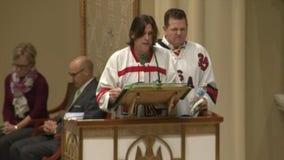 Hundreds attend prayer vigil as hockey community mourns 2 boys killed in fire