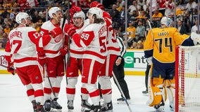 Mantha, Bertuzzi lead Red Wings to opening night win