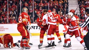 Flames pull away, beat Red Wings 5-1