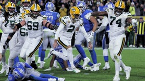 Packers get calls, Crosby hits late FG to beat Lions 23-22