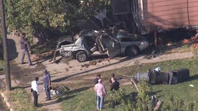 2 dead, 3 hurt when driver escaping police crashes into home on Chalmers