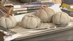 Making decorative pumpkins with cement