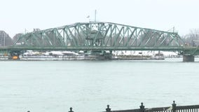 Emergency work shuts down Grosse Ile free bridge, causing long lines and short tempers