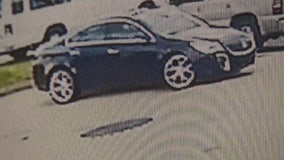 Hit-and-run driver wanted for badly injuring pedestian in Oak Park