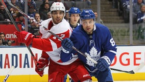 Hutchinson wins 1st, Maple Leafs beat Red Wings