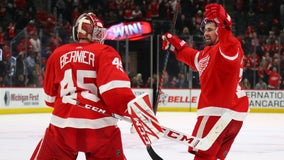 Larkin's shootout goal gives Red Wings 3-2 win over Sens