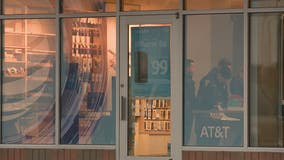 Employees tied up as man, woman rob AT&T store at gunpoint in Sterling Heights