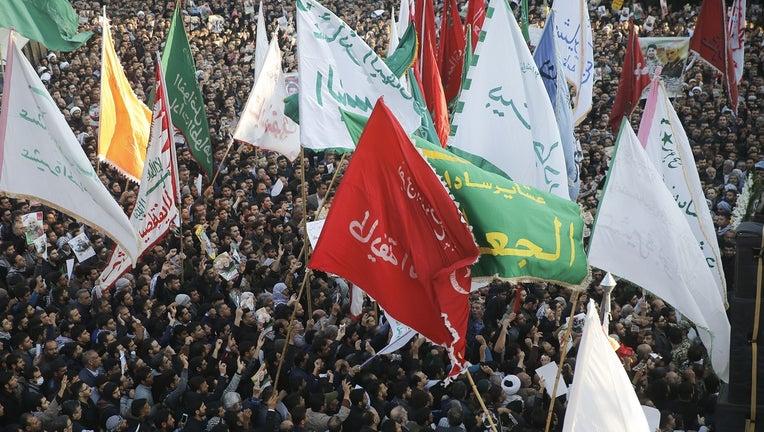 GETTY_iran_iraq_protest.jpg