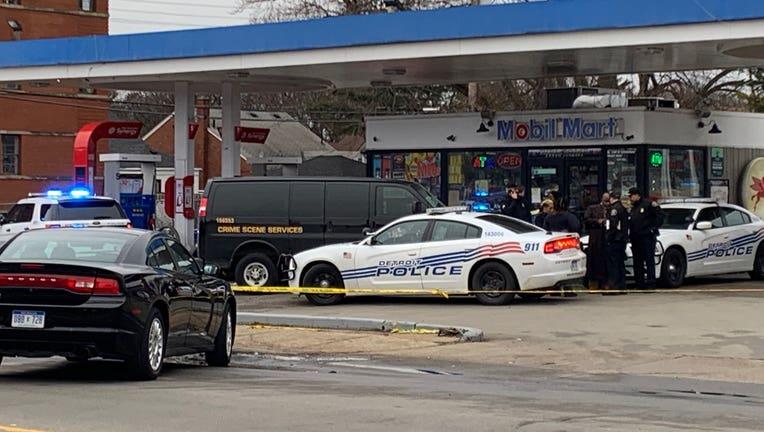 Detroit Police investigate murder at Mobil gas station