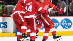 Red Wings earn elusive win over Lightning, 5-4 in shootout