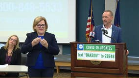 Oakland County executive recommends residents wear masks in public