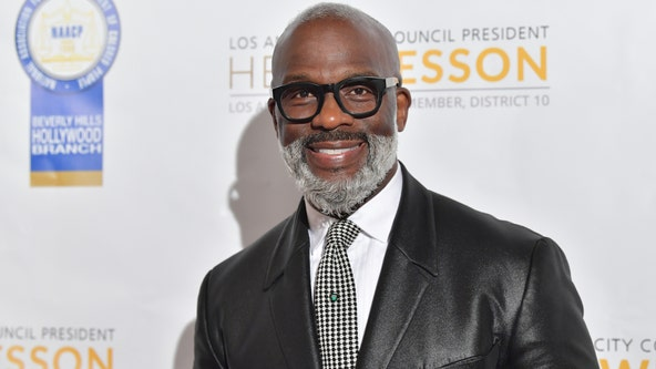 Detroit gospel singer BeBe Winans reveals he and, mother and brother all diagnosed with COVID-19
