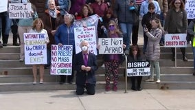 Catholics protest closed churches: 'The bishop does not need to take orders from medical officials'