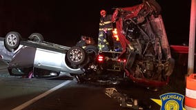 Suspected drunk driver arrested after hitting stalled car, tow truck on I-94 Monday