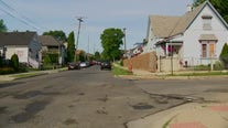4 people shot, 1 killed in quintuple shooting in Detroit