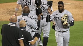 White Sox break through early, beat Tigers 8-4