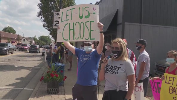 South Lyon protests held against online learning for fall