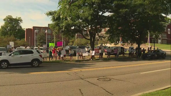 Rochester Community School parents protest after all-virtual start to school year decided