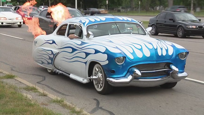 Dream Cruisers go rogue as classic car lovers flock to Woodward despite cancellation from pandemic