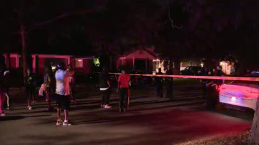 Domestic dispute turns violent after 14-year-old shoot's mom's boyfriend in Detroit