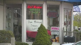 Owosso barber who defied Whitmer has charges dropped but may still lose license to work