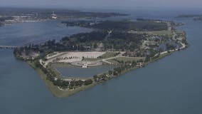"""Man who fell through ice near Belle Isle """"not likely"""" to be rescued, says U.S. Coast Guard"""