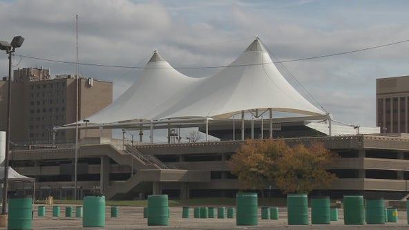 Pontiac nears deadline to fix up Phoenix Center