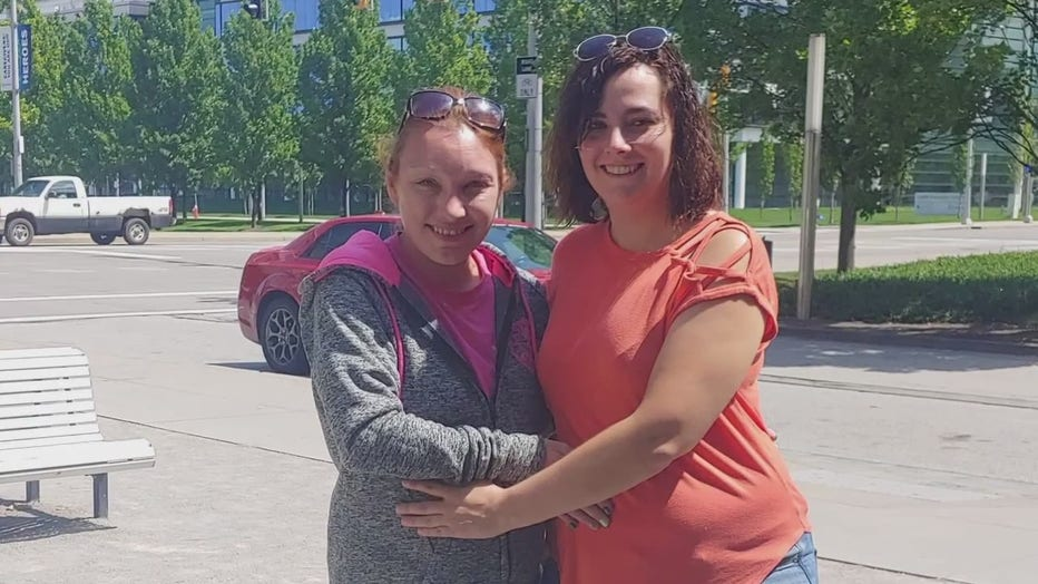 Recipient Adrienne Mihuc, left, and living donor Nikita Ritchie,.