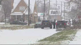 Barricaded police situation ends peacefully with 4 arrests on east side