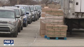 Hundreds of boxes of food given to restaurant, hospitality workers in Roseville