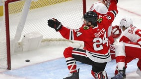 Suter scores first 3 NHL goals as Blackhawks beat Red Wings